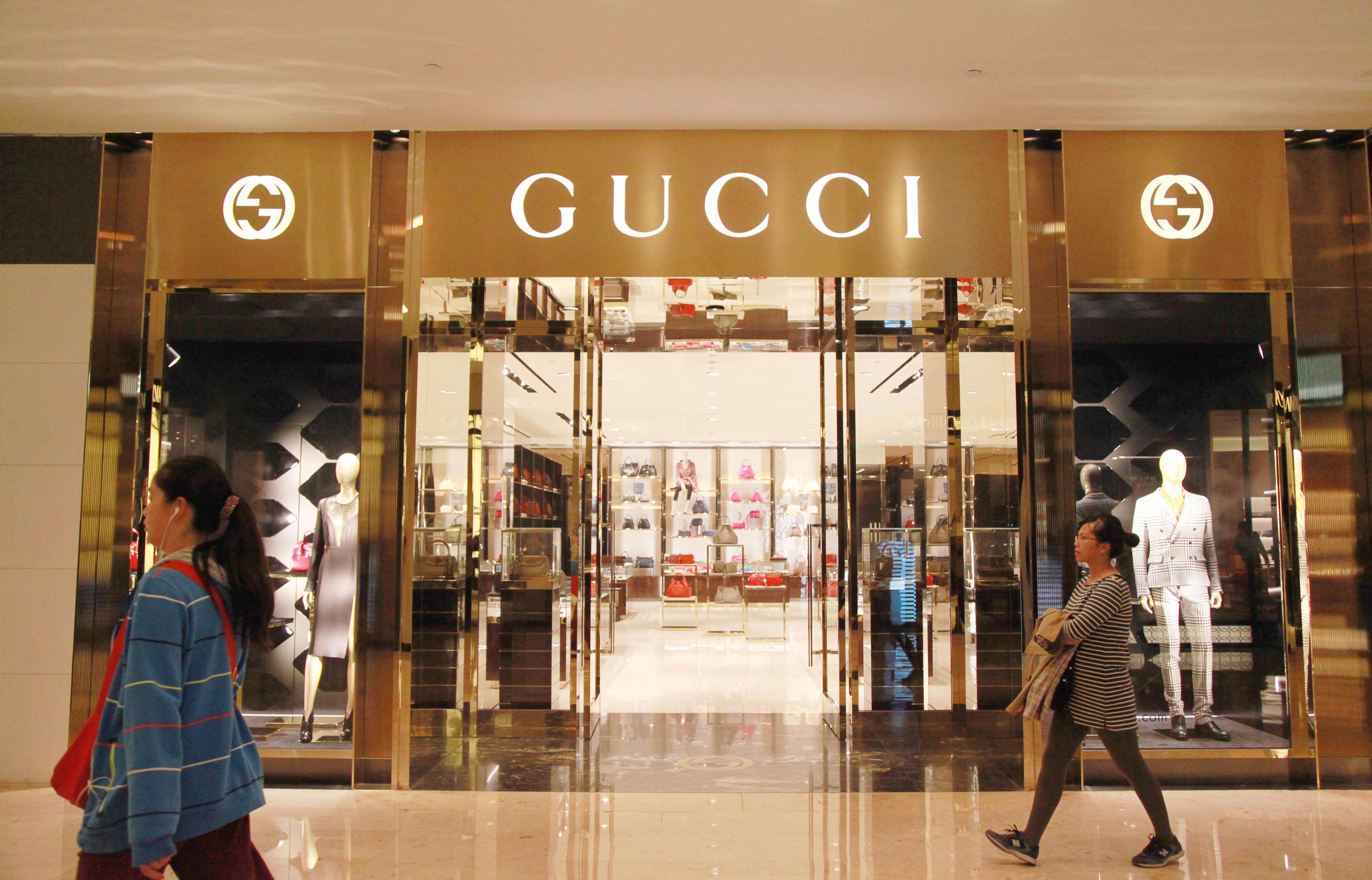 en chine le luxe est tent par le magasin d 39 usine strat gies. Black Bedroom Furniture Sets. Home Design Ideas